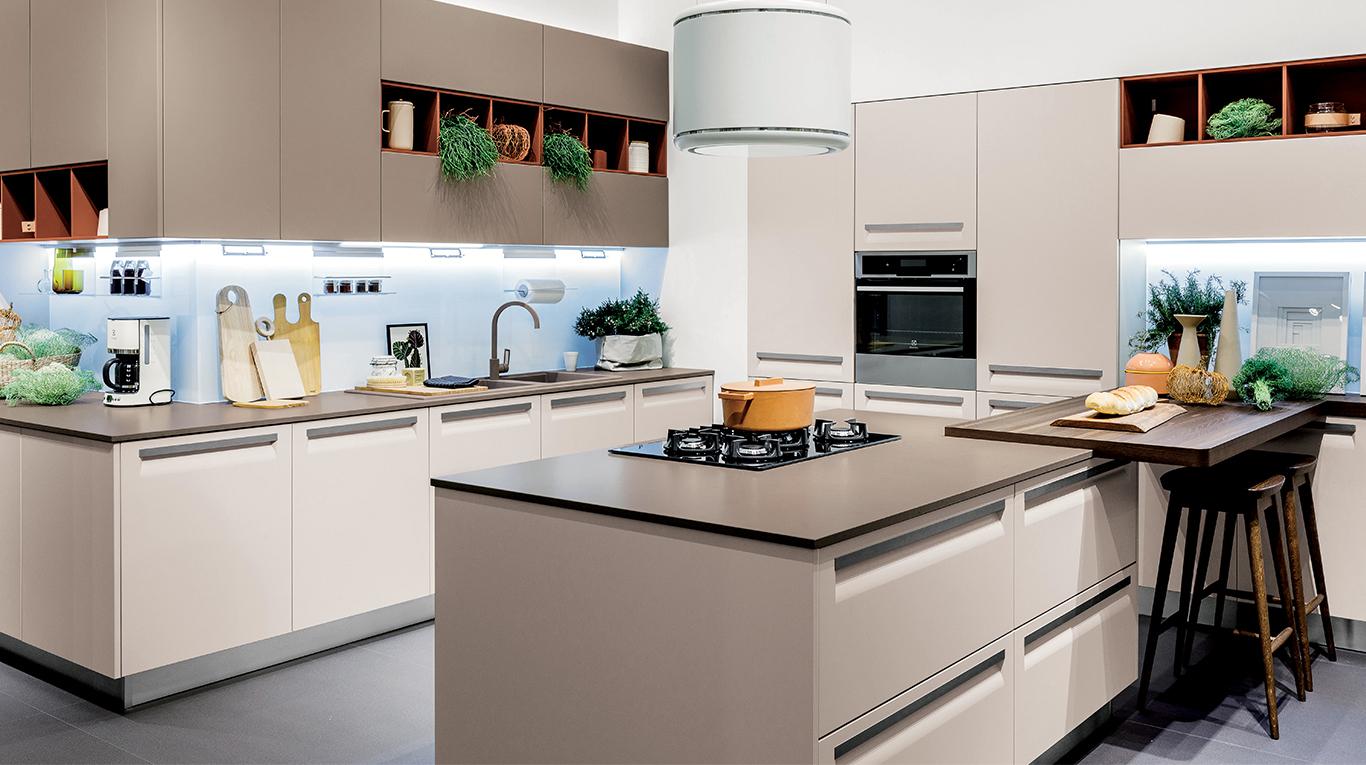veneta cucine vous pr sente carrera f1 veneta cucine paris 12 me arrondissement. Black Bedroom Furniture Sets. Home Design Ideas