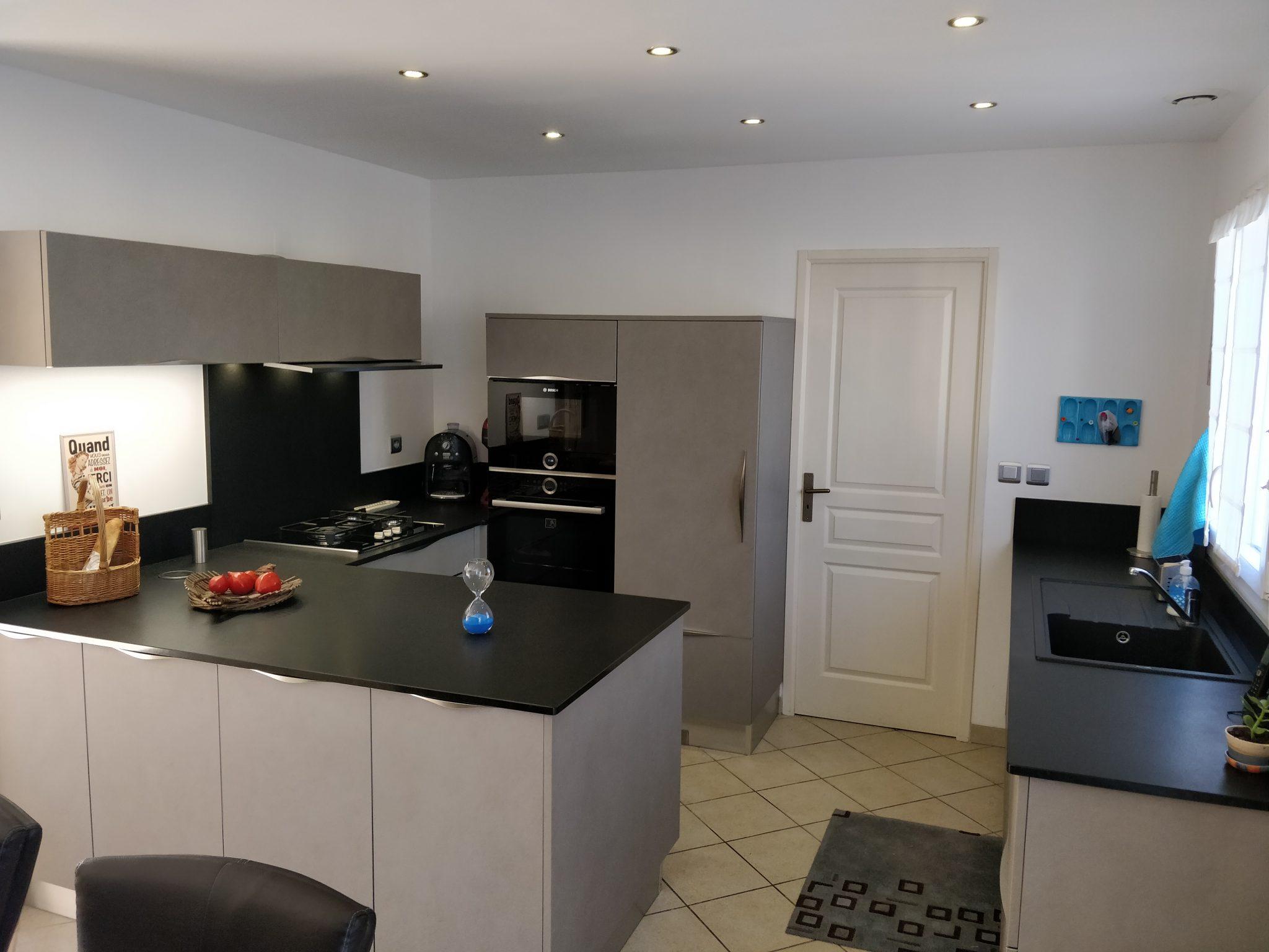 nos r alisations bienvenue chez marco mj veneta cucine france. Black Bedroom Furniture Sets. Home Design Ideas