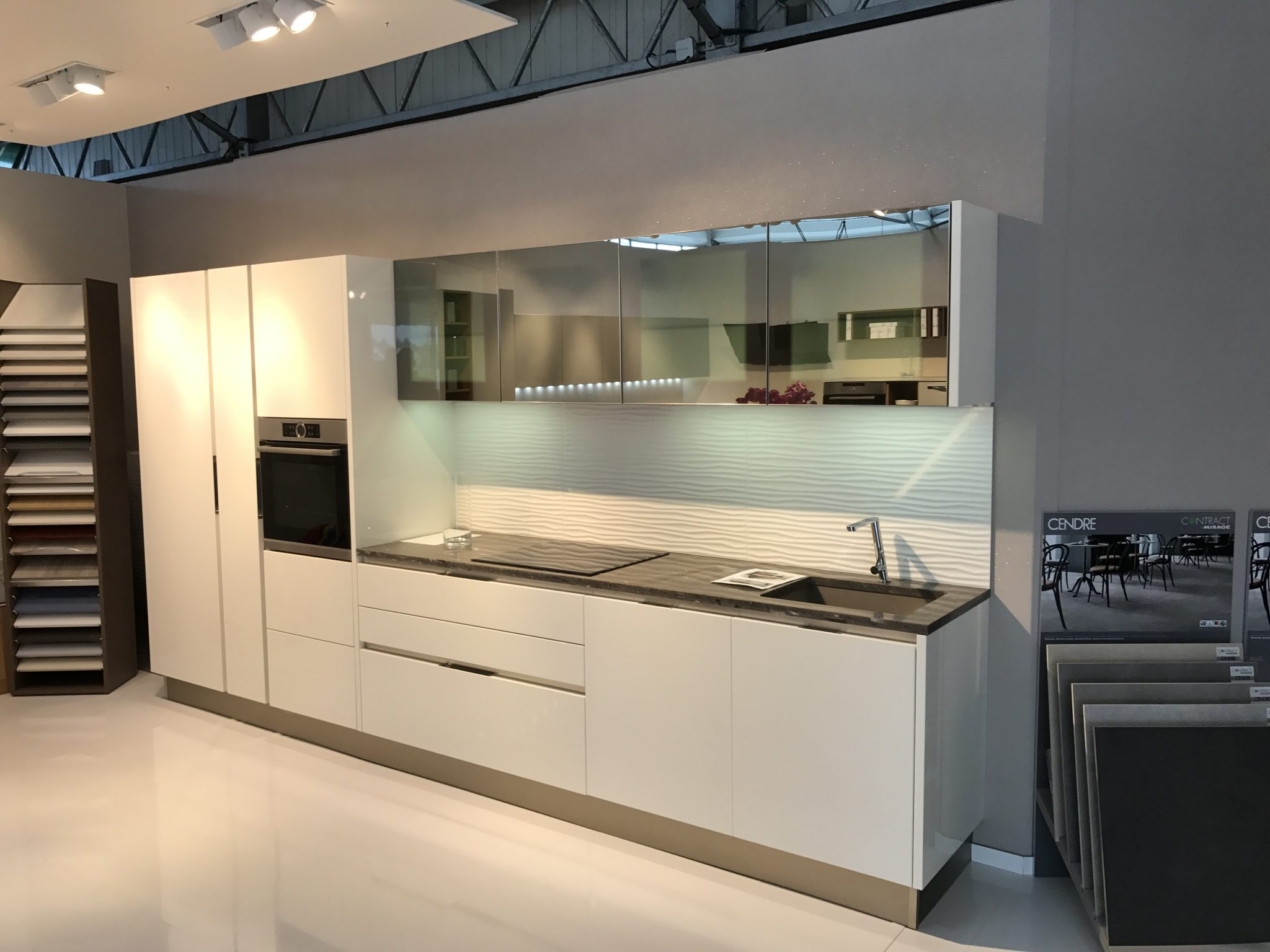 conseils veneta cucine comment am nager une petite cuisine veneta cucine paris 12 me. Black Bedroom Furniture Sets. Home Design Ideas