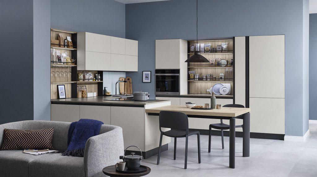 Start Time - La cuisine blanche avec espace ouvert